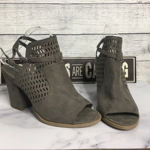American Eagle Gray Wedges Size 10